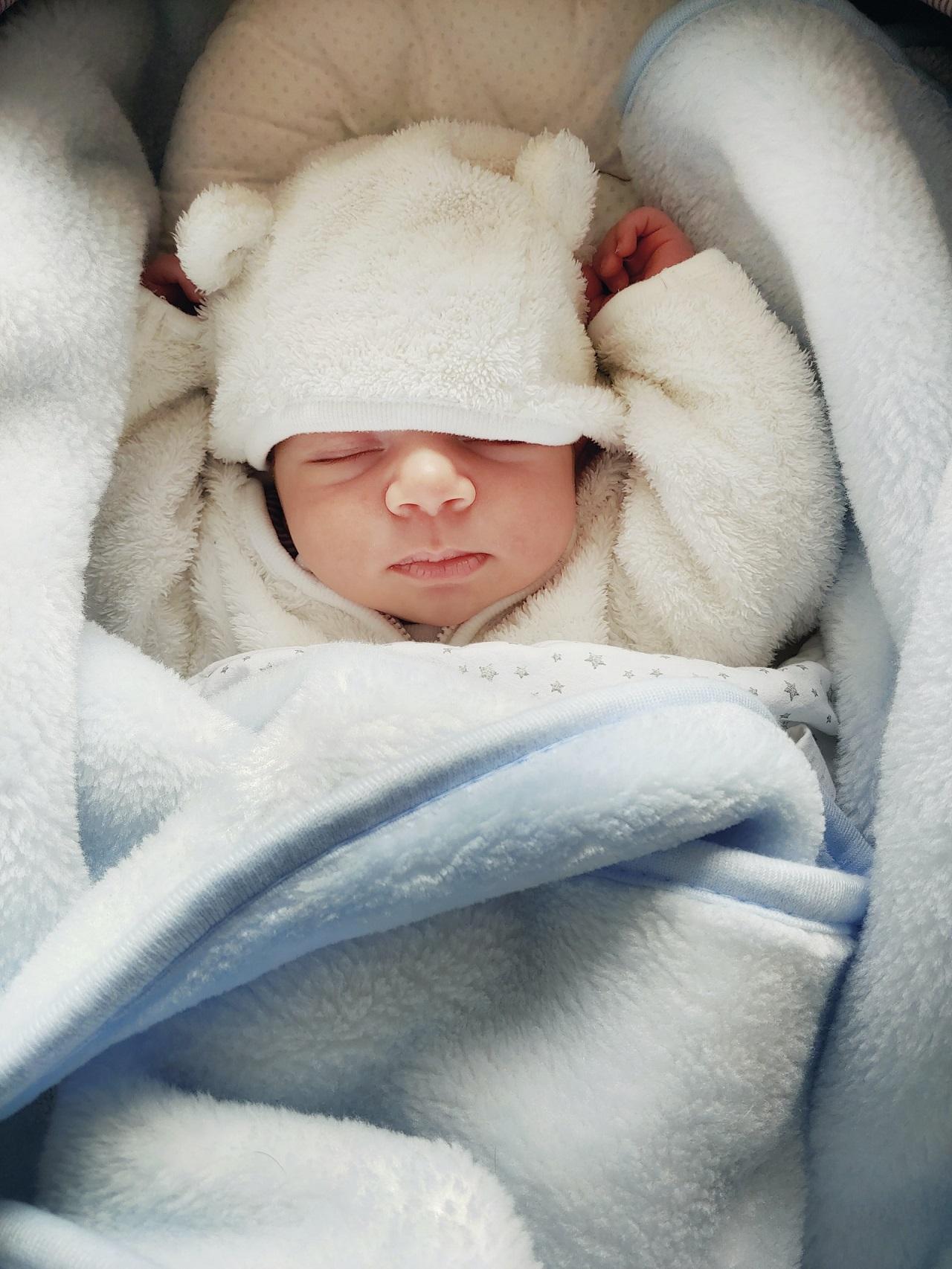 """Die richtige Größe des Babynest ist wichtig. Es gibt sogar Babynester die """"mitwachsen""""."""